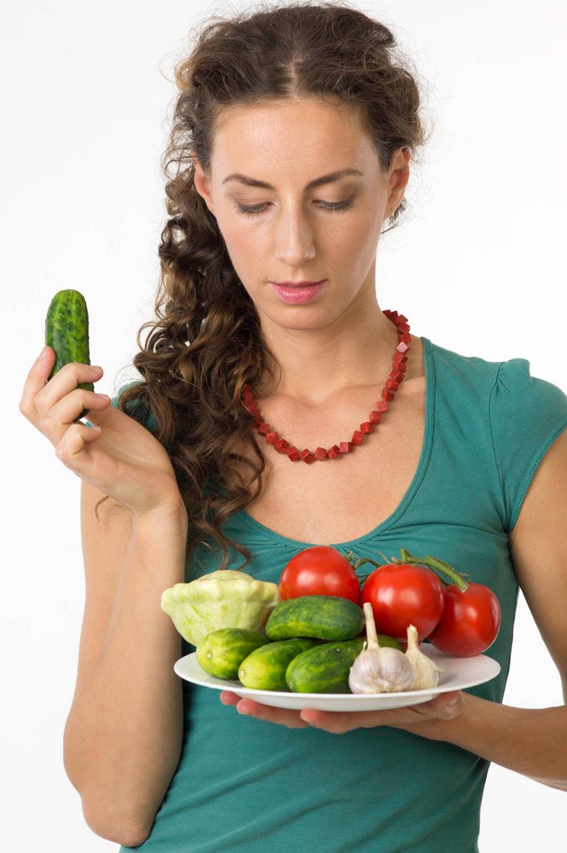 Что же происходит, когда нитраты с овощами или водой попадают в организм?